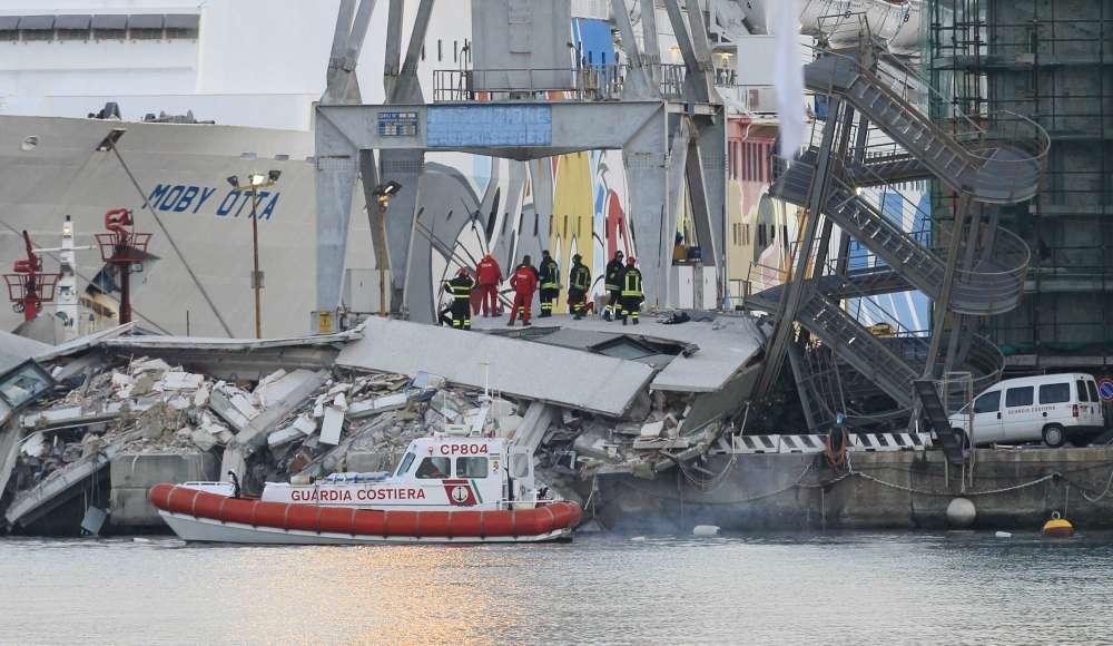 Genova, nave contro torre di controllo