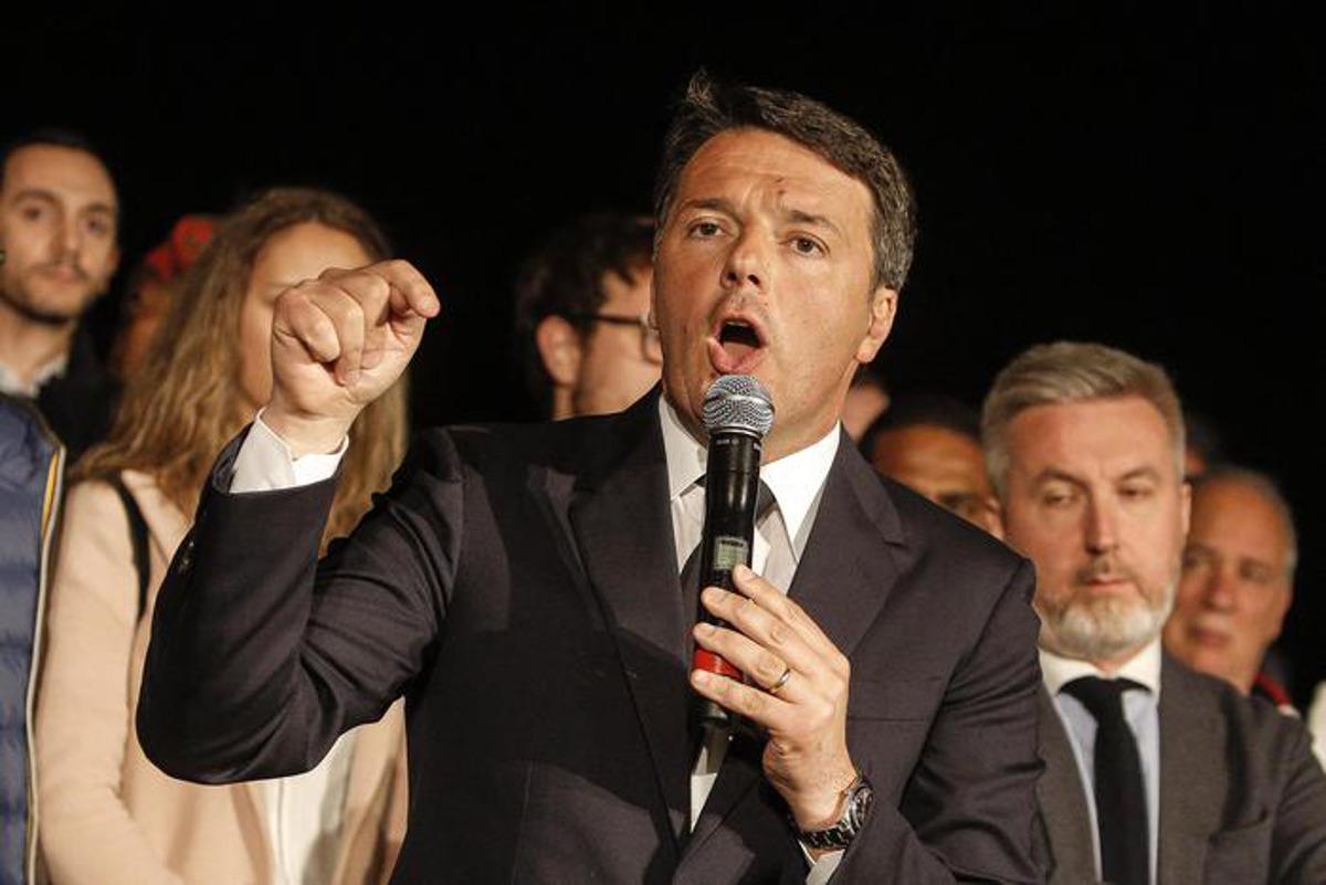 """Renzi tira dritto: """"Mai un accordo col M5S, sarebbe squallido trasformismo"""""""