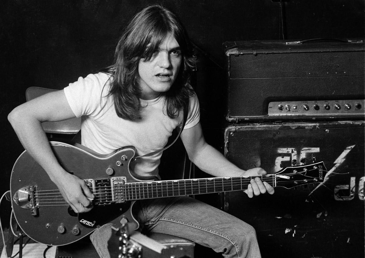 AC/DC in lutto: muore il co-fondatore Malcolm Young