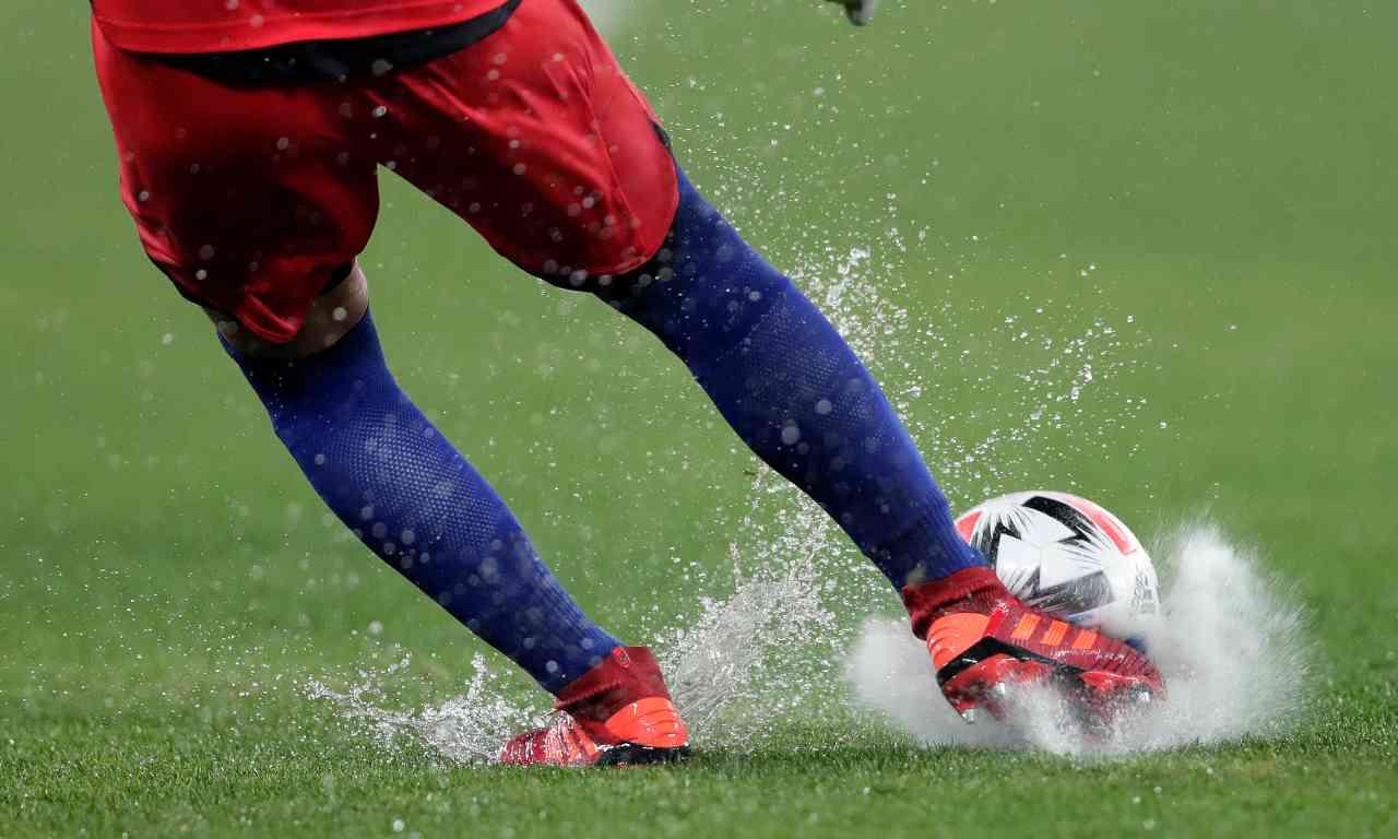 Ripresa del calcio, dagli stadi alle date. Parola d'ordine: prudenza