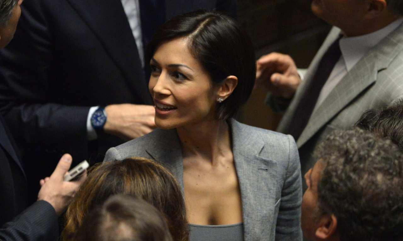 "Mara Carfagna è incinta: un indizio ""smaschera"" la parlamentare – FOTO"