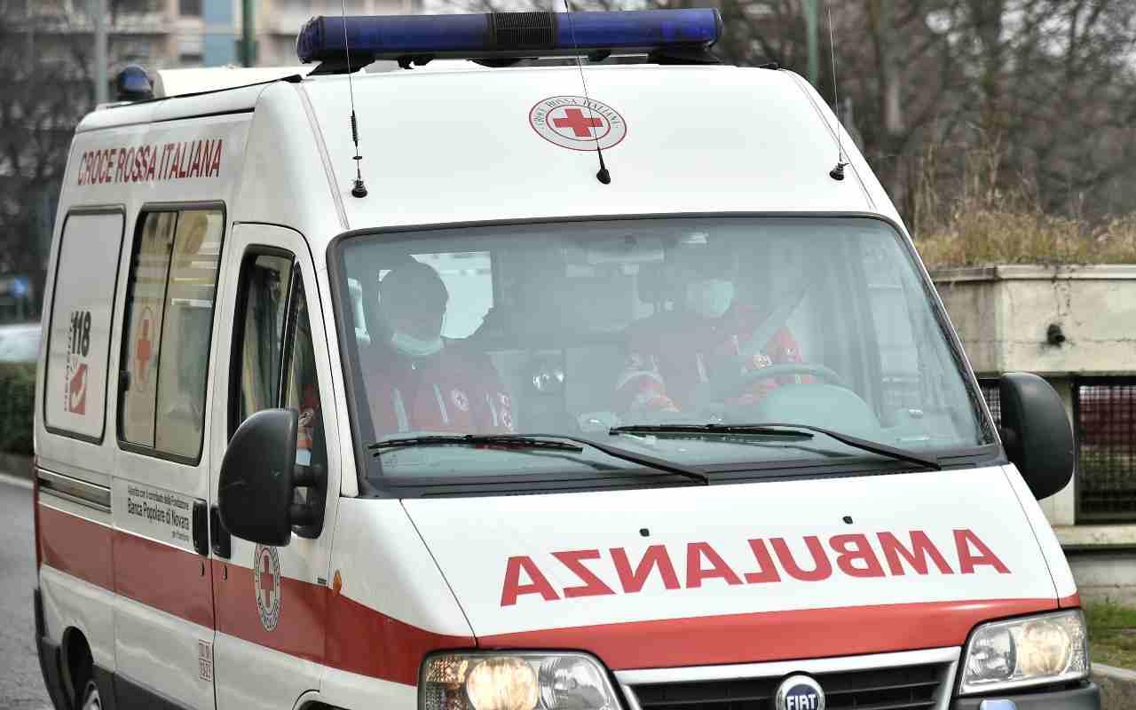 ambulanza bambino morto