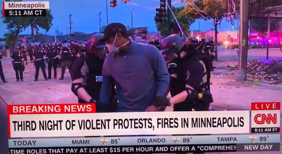 Scontri per George Floyd, arrestato in diretta giornalista della CNN – VIDEO