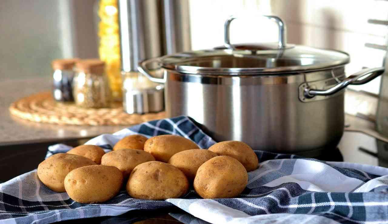 Patate al forno croccanti. Ricetta