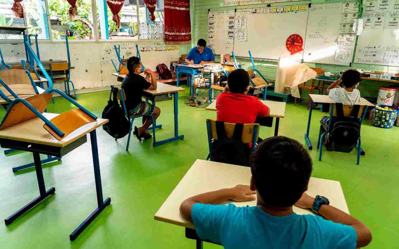 Mascherine gratis a scuola: Arcuri spiega le modalità di distribuzione