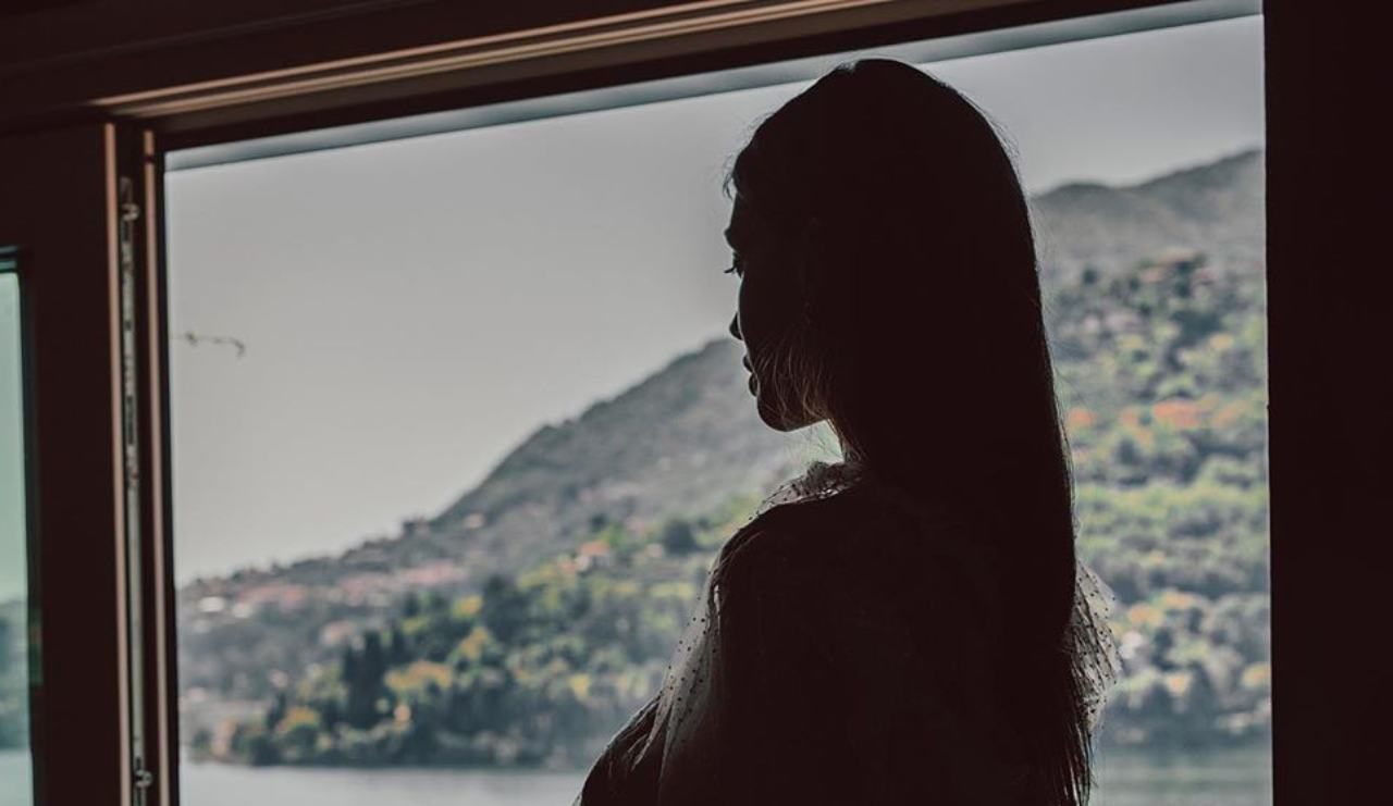 Cristina Buccino, le curve controluce infiammano Instagram -Foto
