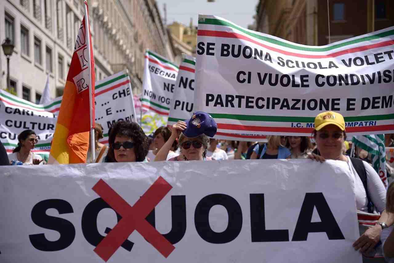 Scuole in protesta, i presidi in prima linea: Azzolina sotto accusa