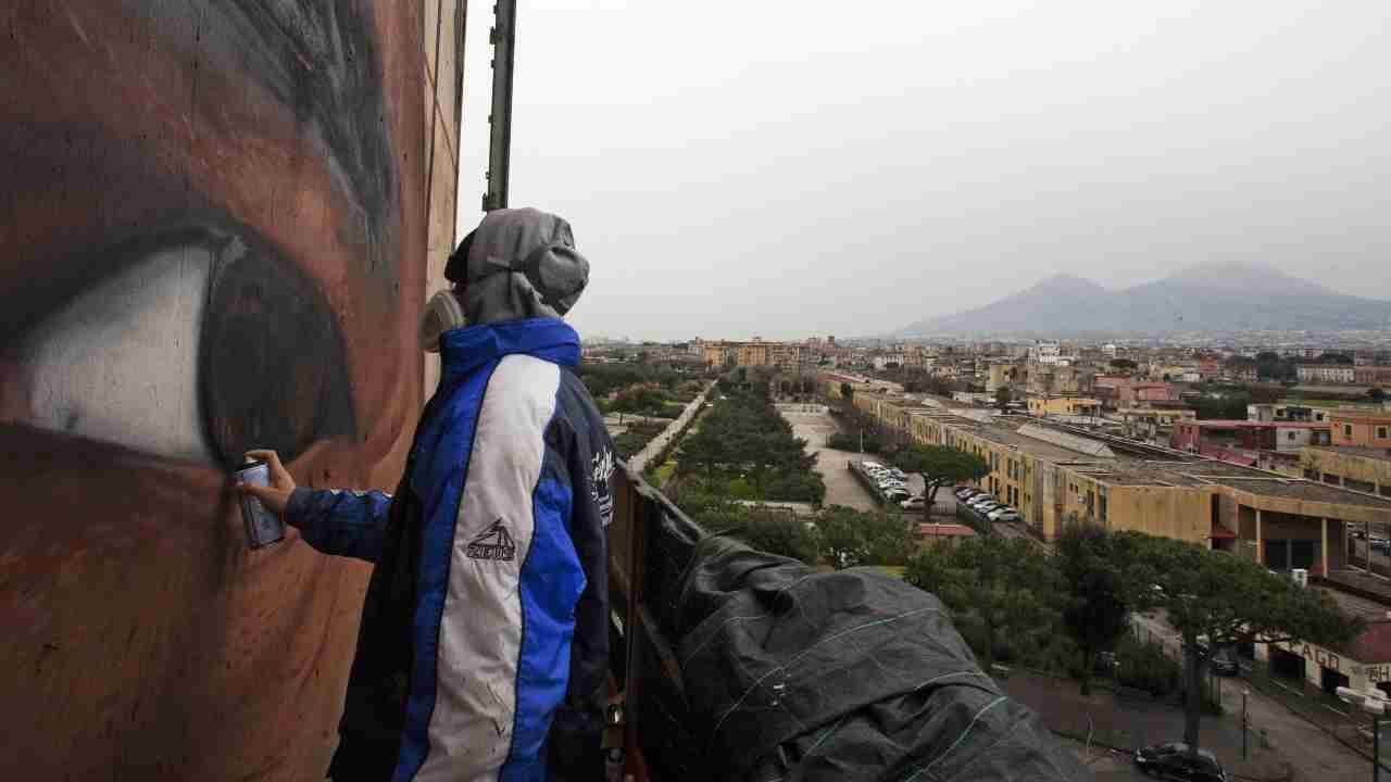 Jorit disegna un murale per George Floyd contro il razzismo – FOTO