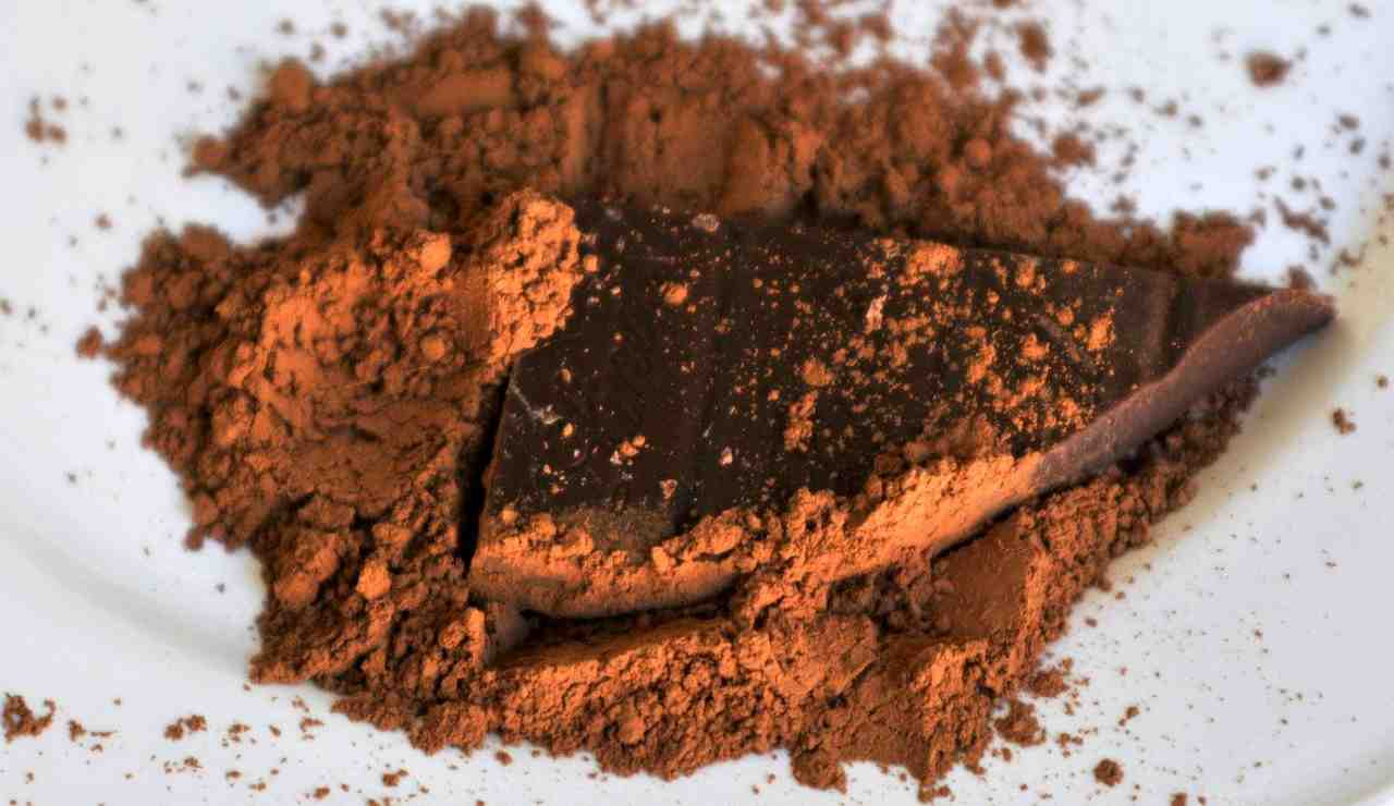 Ciambella al cacao: ricetta velocissima, soffice e profumata