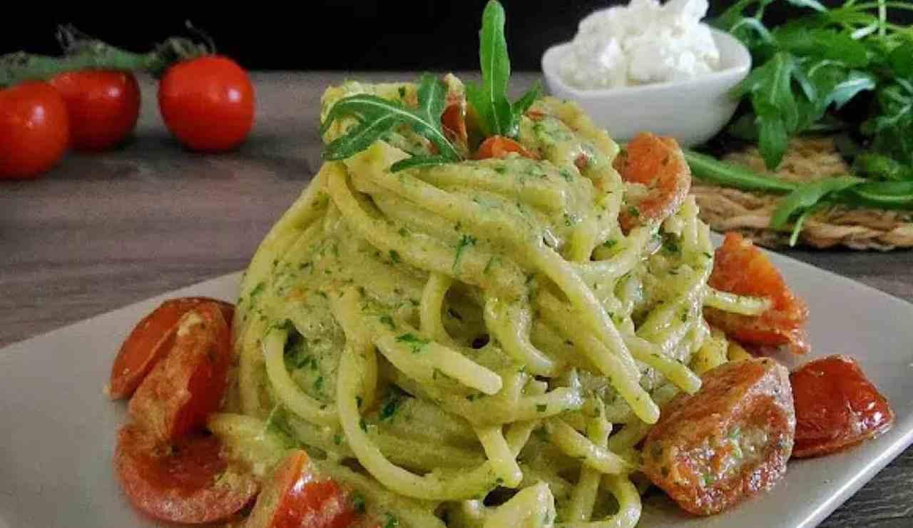 Spaghetti tricolore: un primo piatto facile e veloce! La ricetta