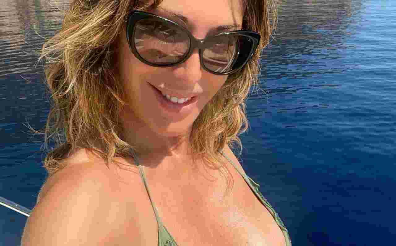 Sabrina Salerno, bikini da infarto: decollete da paura – Fot