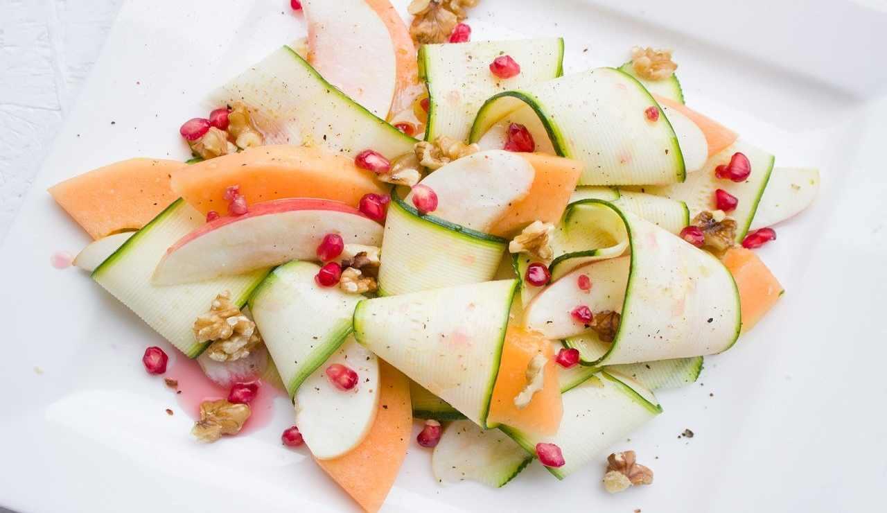 Insalata fresca zucchine e melone ricetta