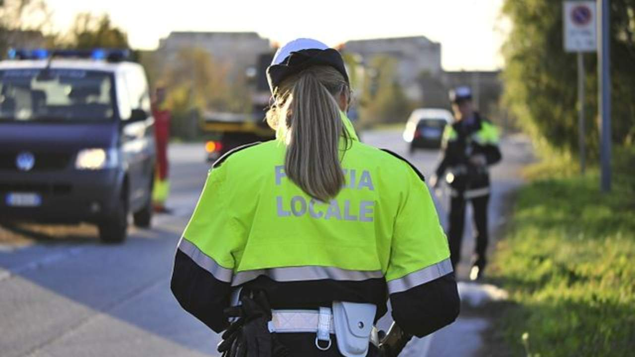 Incidente sulla A4 verso Torino: ci sono un morto e un ferito