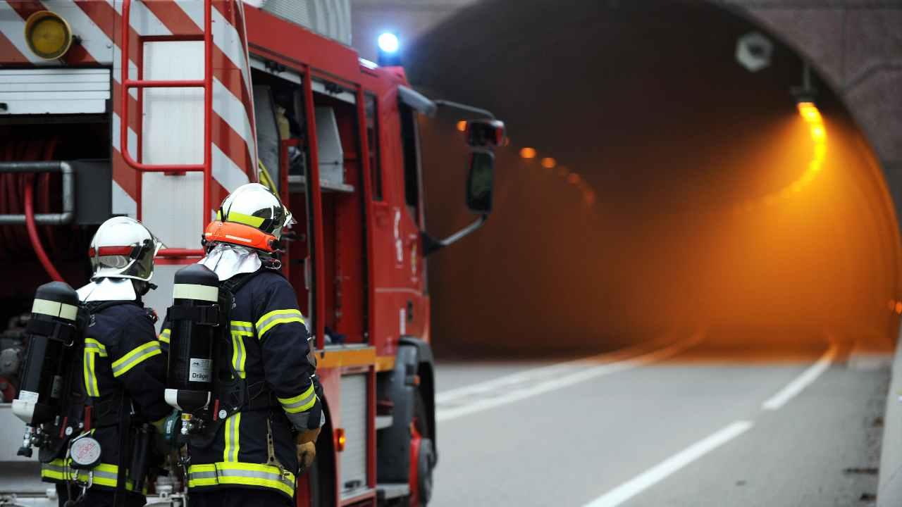 Cuneo, tragico incidente stradale: morti 5 giovani