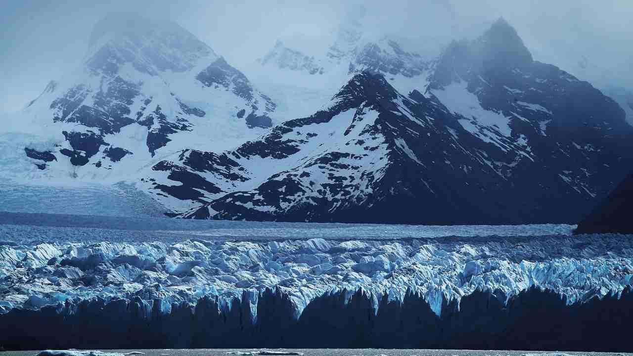 Lo scioglimento dei ghiacciai può essere fermato: basta spargere polvere di vetro su parte dell'Artico