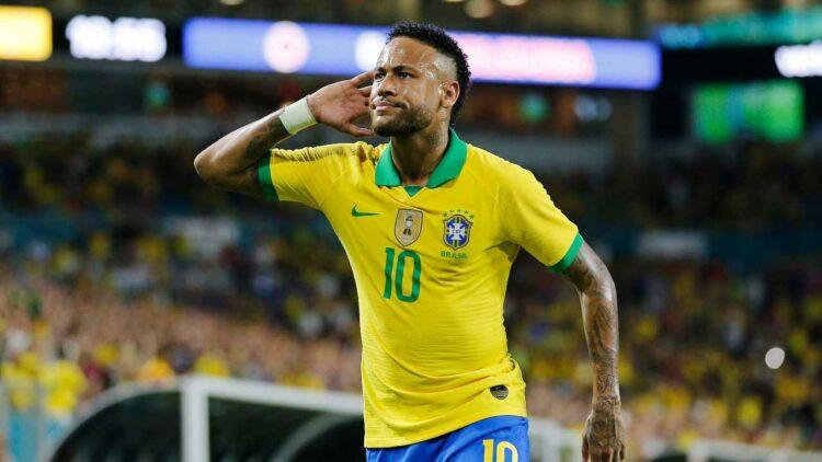 Calcio, Neymar lascia la Nike: addio dopo 15 anni