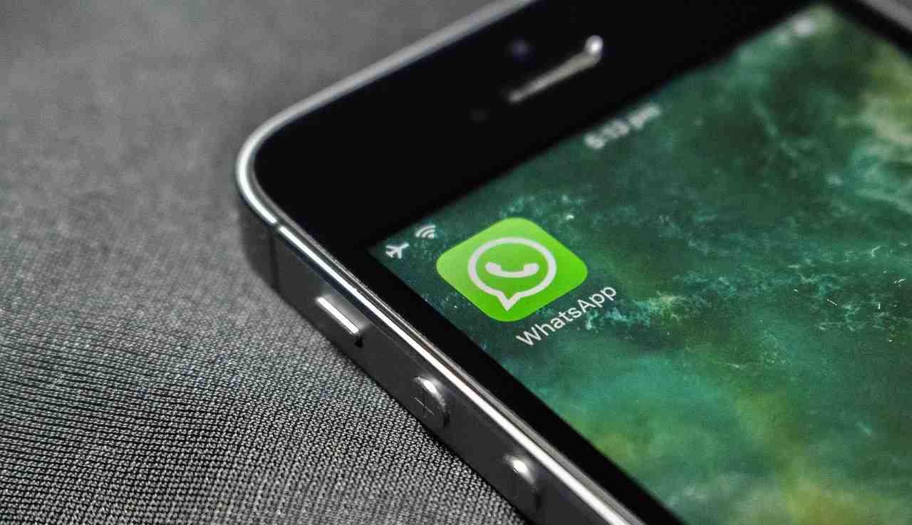 Whatsapp cambia: l'app di Facebook fa scacco matto a Telegram