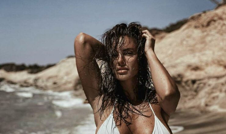 Lucia Javorcekova bikini bagnato