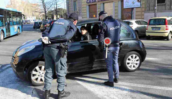 calci poliziotti