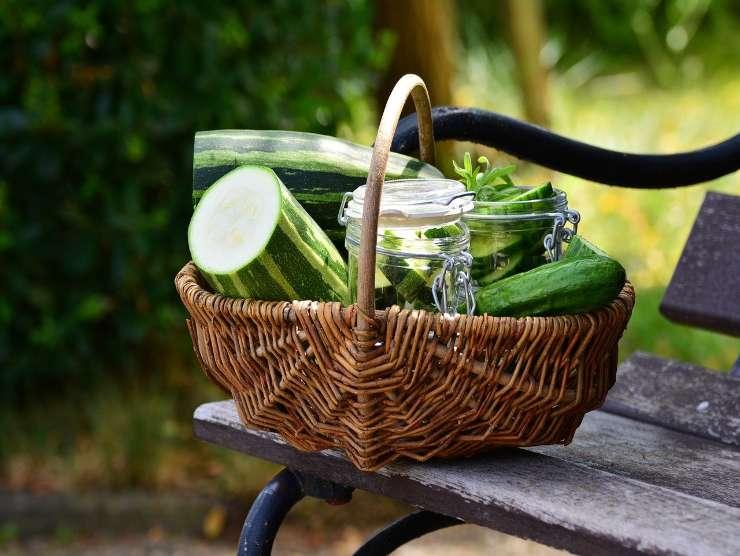 zucchine verdi tagliate