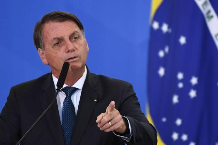Covid Bolsonaro vaccino coccodrilli