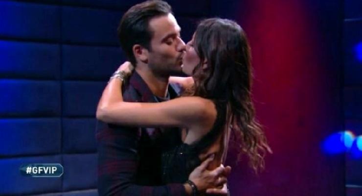 Elisabetta bacia Pierpaolo