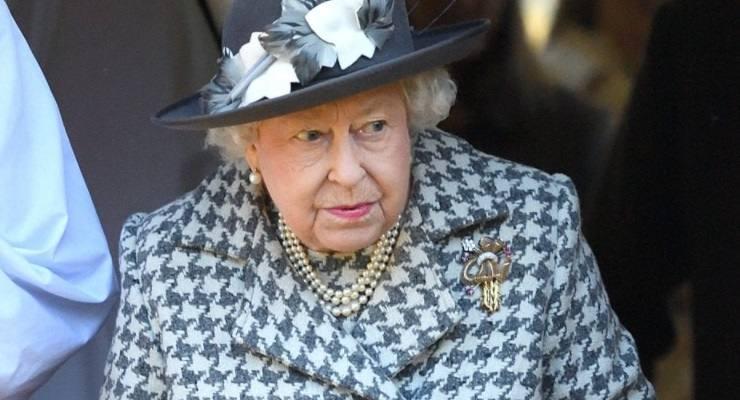 Regina Elisabetta rivolta personale
