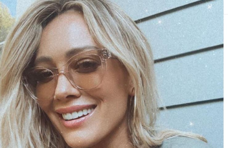 Hilary Duff incinta bella anche così