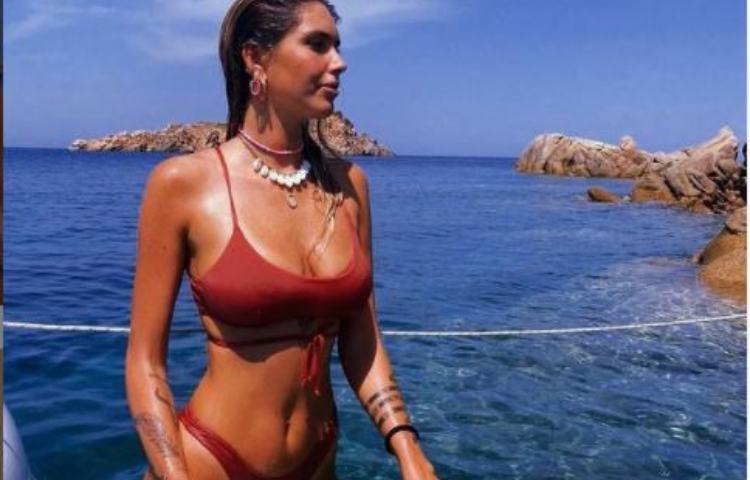 Viktorija Mihajlovic al mare