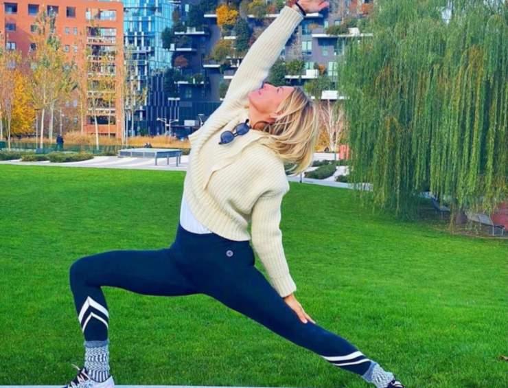 Federica Fontana fa yoga