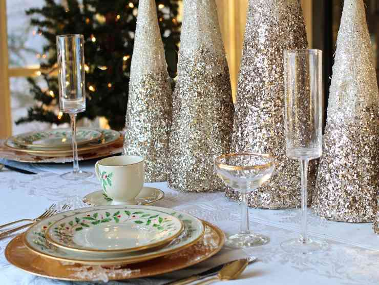 tavola per vigilia Natale