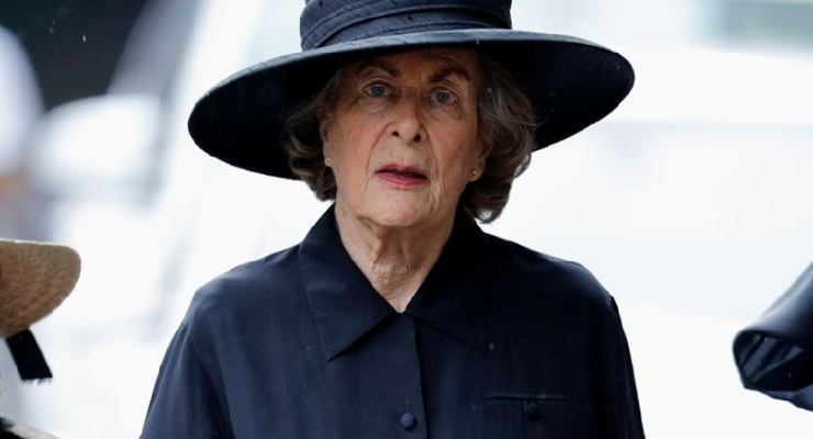 dimissioni Patricia Earl