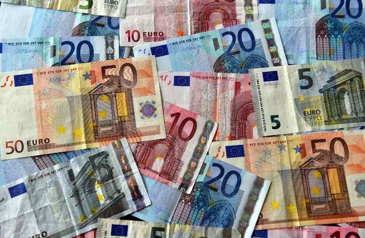 rincari bollette euro
