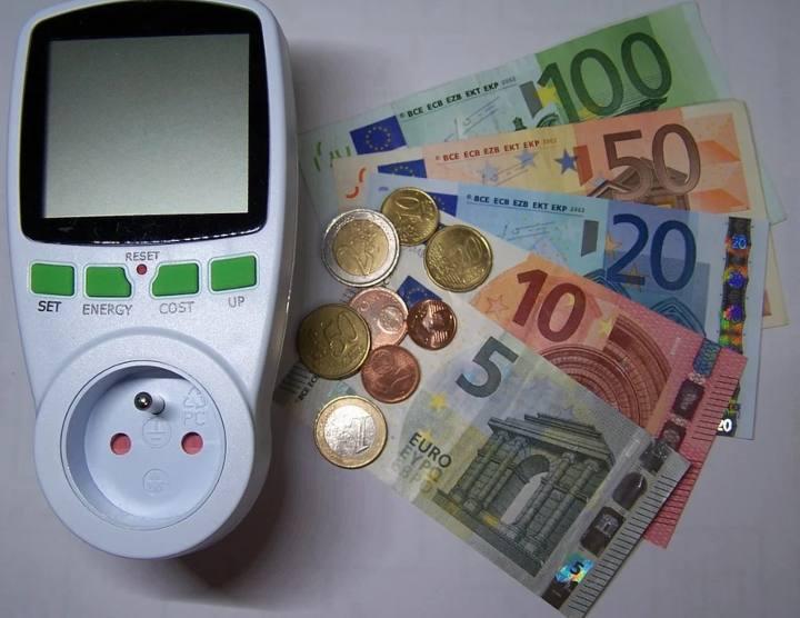 bollette rincari - euro