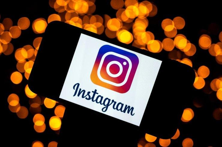 Instagram down social