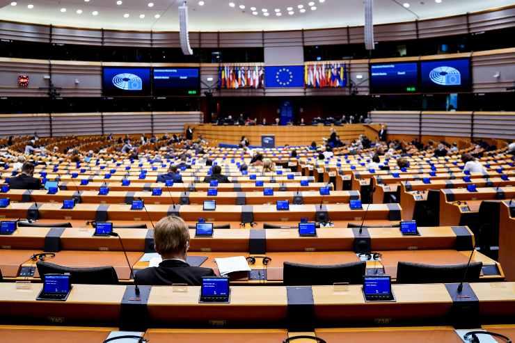 covid europarlamentare