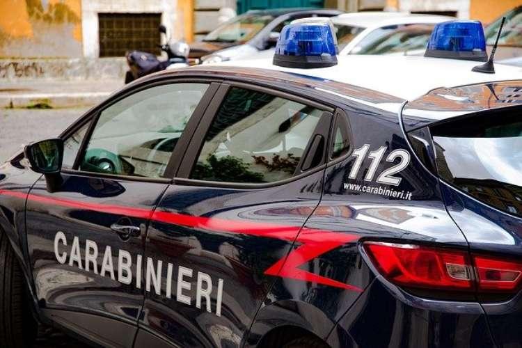 chiama carabinieri non serve niente