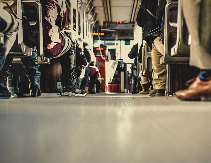 sviene sul tram