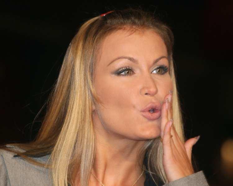 Eva Henger manda un bacio