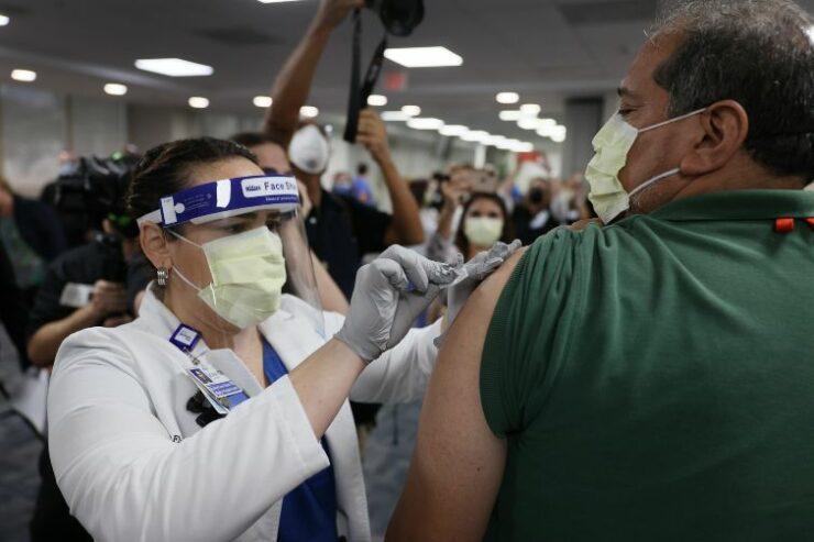 Vaccino covid effetti collaterali