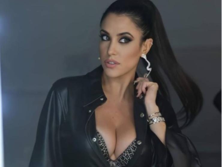 Claudia Ruggeri Vestito Spacco