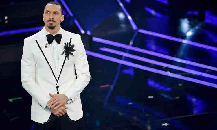 Zlatan Ibrahimovic sul palco di Sanremo 2021