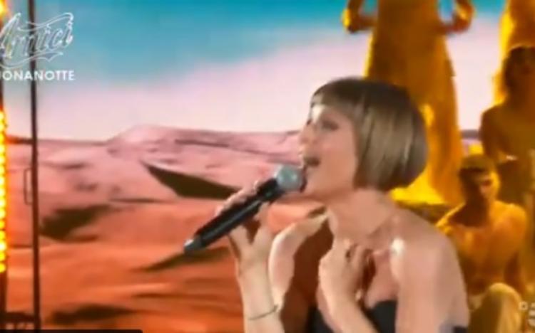Alessandra Amoroso e la sua esibizione ad Amici 20