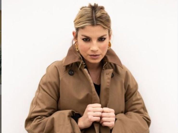Emma cantante sensuale