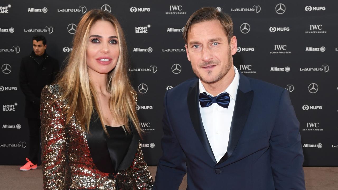 Totti e Ilary Blasi festeggiano l'anniversario