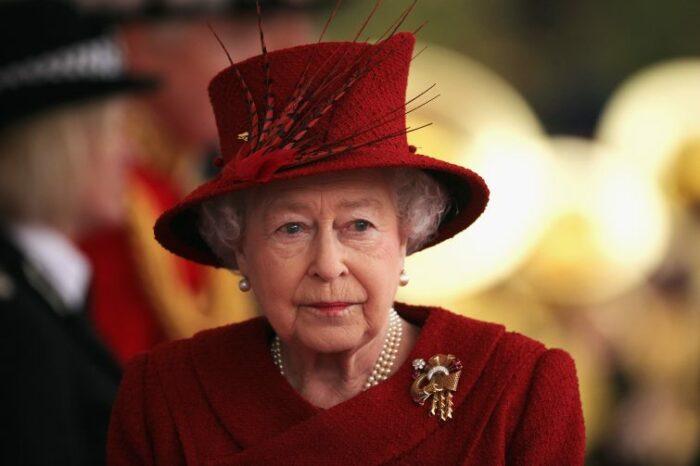 Regina Elisabetta lacrime