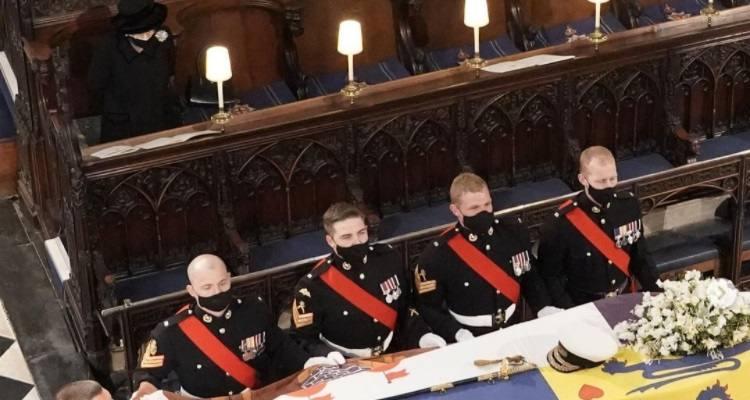 Regina Elisabetta al funerale del Principe Filippo