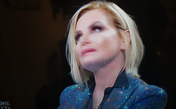 Simona Ventura in lacrime a Canzone Segreta