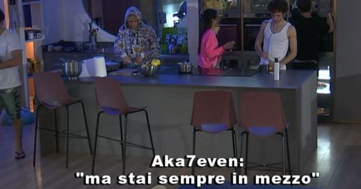 Aka risponde male a Serena