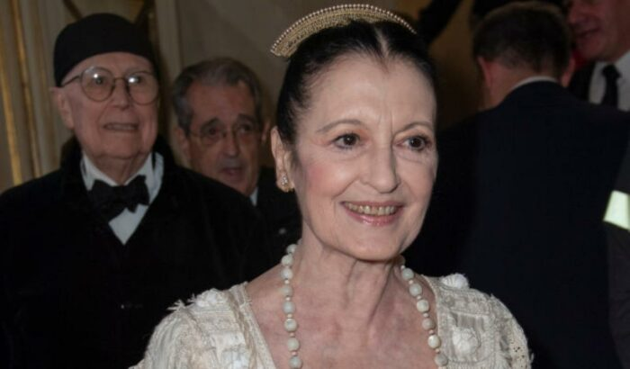 Carla Fracci in primo piano